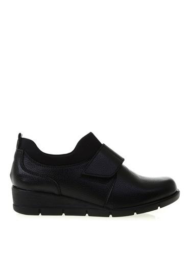 Cotton Bar Suni Deri Cırtcırtlı Üstü Lastikli Dolgu Topuklu Kadın Ayakkabı Siyah